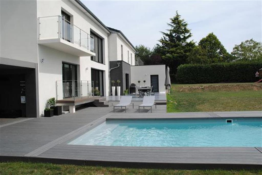 Terrasse avec piscine contemporaine nos conseils - Photo terrasse maison ...
