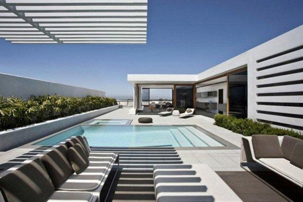 Terrasse avec piscine contemporaine - Nos Conseils
