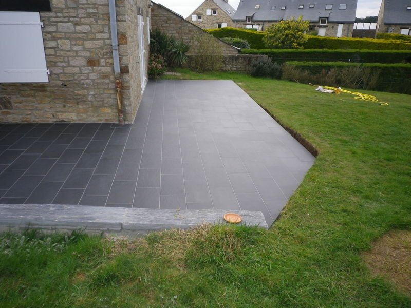 Pose carrelage exterieur top peinture sur carrelage for Poser carrelage terrasse dalle beton