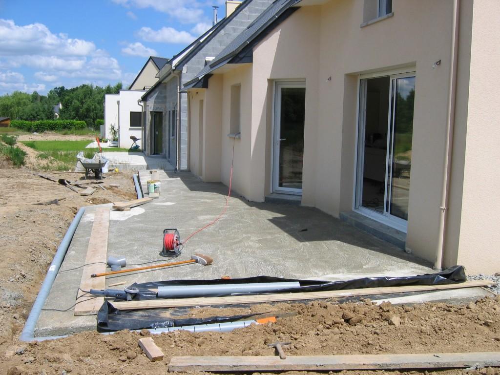 terrasse beton contre maison nos conseils. Black Bedroom Furniture Sets. Home Design Ideas