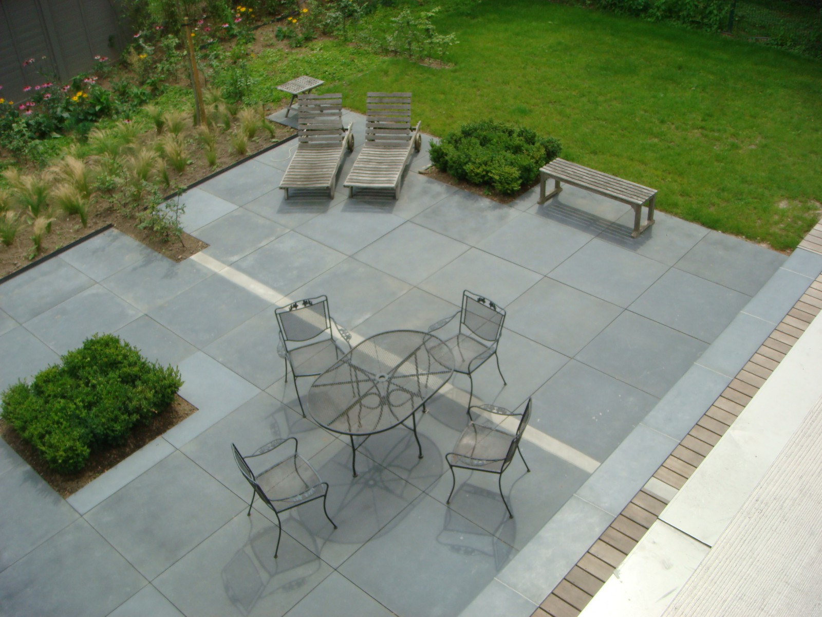 Best terrasse en b ton cir pictures for Table de jardin en beton cire