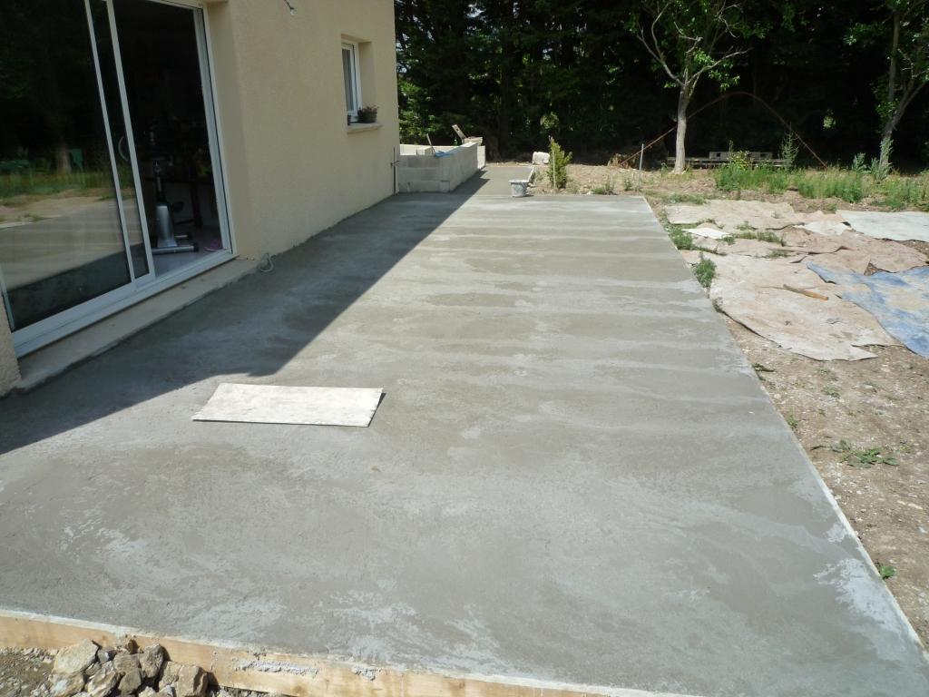 Terrasse beton mal faite nos conseils - Mousse sur terrasse beton ...