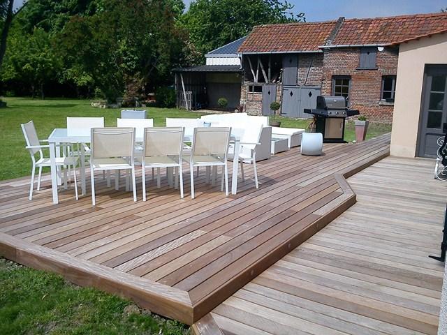 terrasse en bois suspendu finest gardecorps bois et inox pour terrasse bois suspendue main. Black Bedroom Furniture Sets. Home Design Ideas