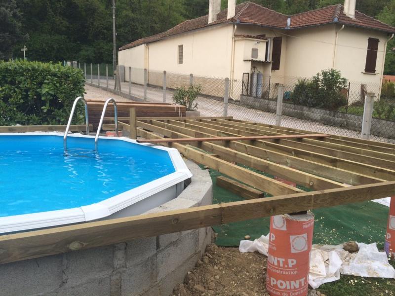 terrasse bois autour d une piscine hors sol nos conseils. Black Bedroom Furniture Sets. Home Design Ideas