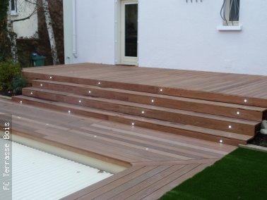 Terrasse bois avec escalier nos conseils for Objectif bois cloison japonaise