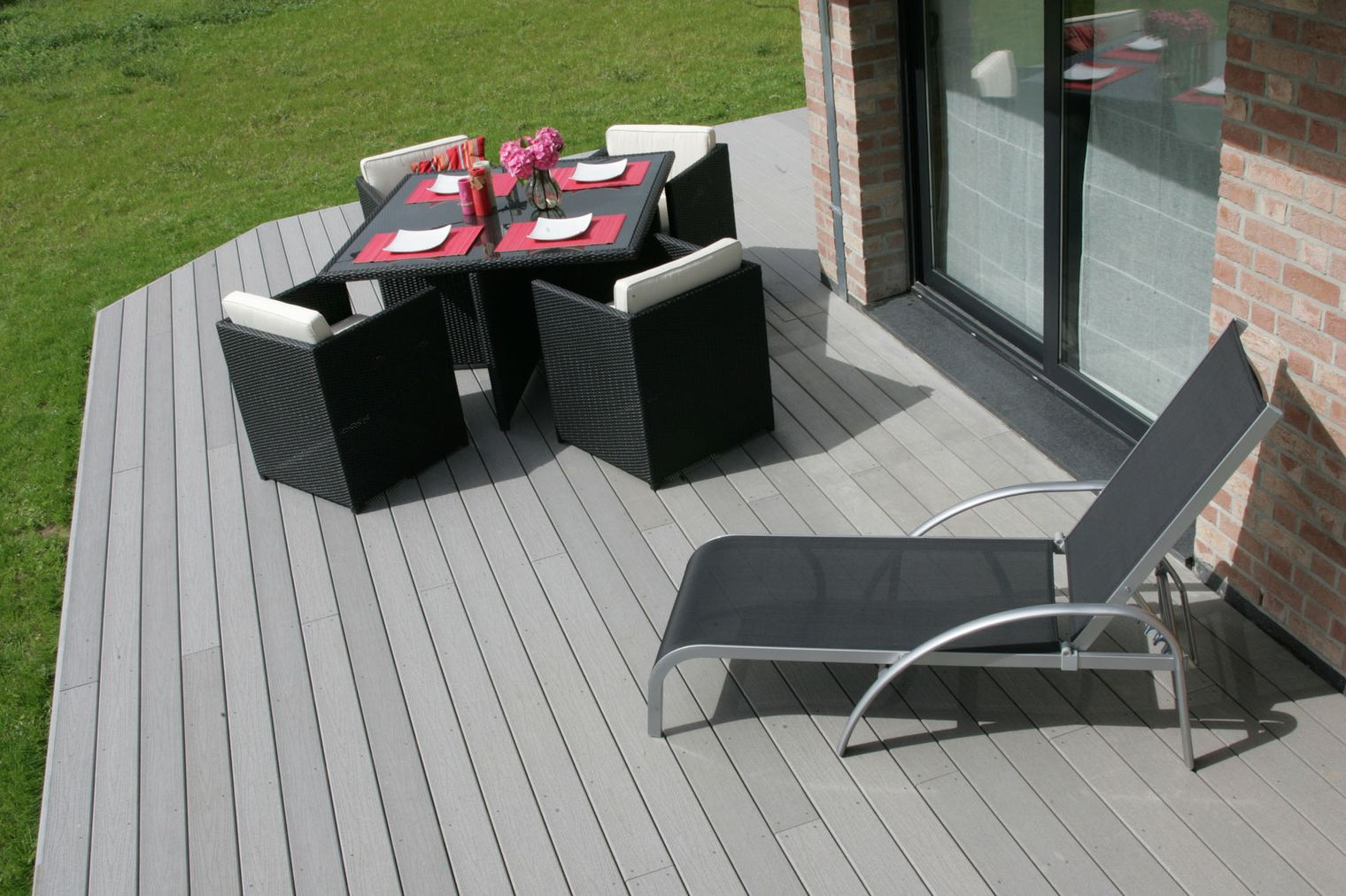 terrasse bois composite gris prix nos conseils. Black Bedroom Furniture Sets. Home Design Ideas