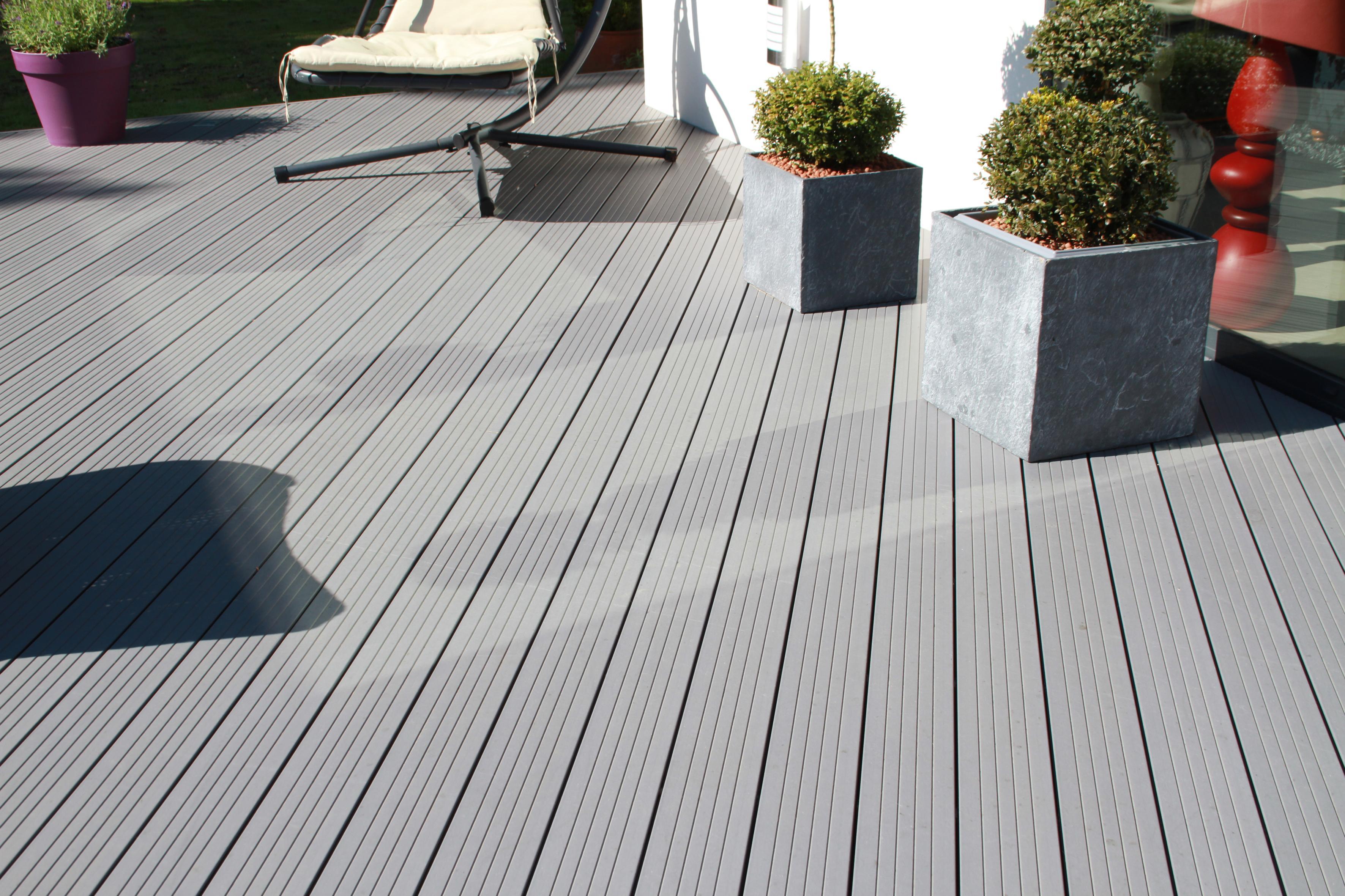 Terrasse bois composite gris prix nos conseils for Prix d une terrasse bois