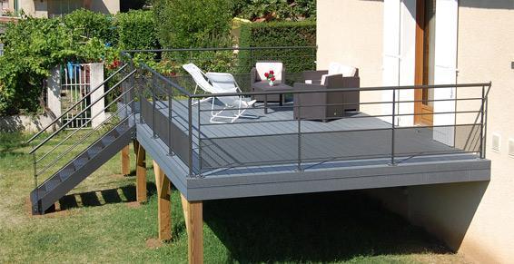terrasse bois composite sur pilotis nos conseils. Black Bedroom Furniture Sets. Home Design Ideas