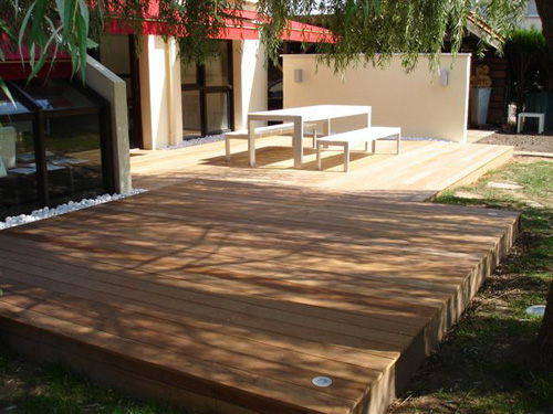 plancher bois exterieur cool pose terrasse bois extrieure var toulon hyres with plancher bois. Black Bedroom Furniture Sets. Home Design Ideas
