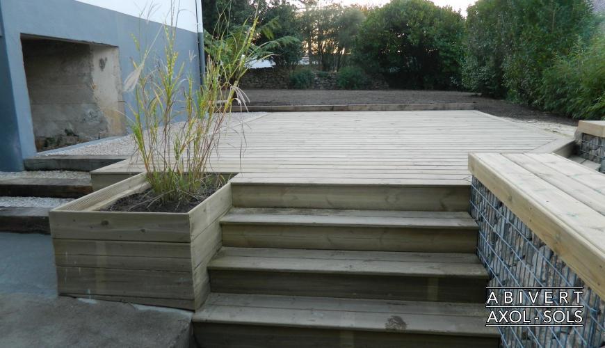 terrasse bois escalier nos conseils. Black Bedroom Furniture Sets. Home Design Ideas