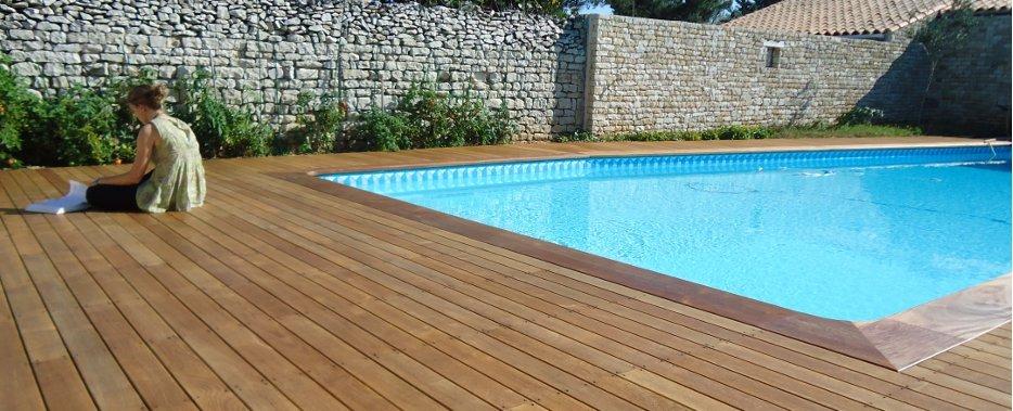 Terrasse bois exotique piscine nos conseils for Bois terrasse piscine