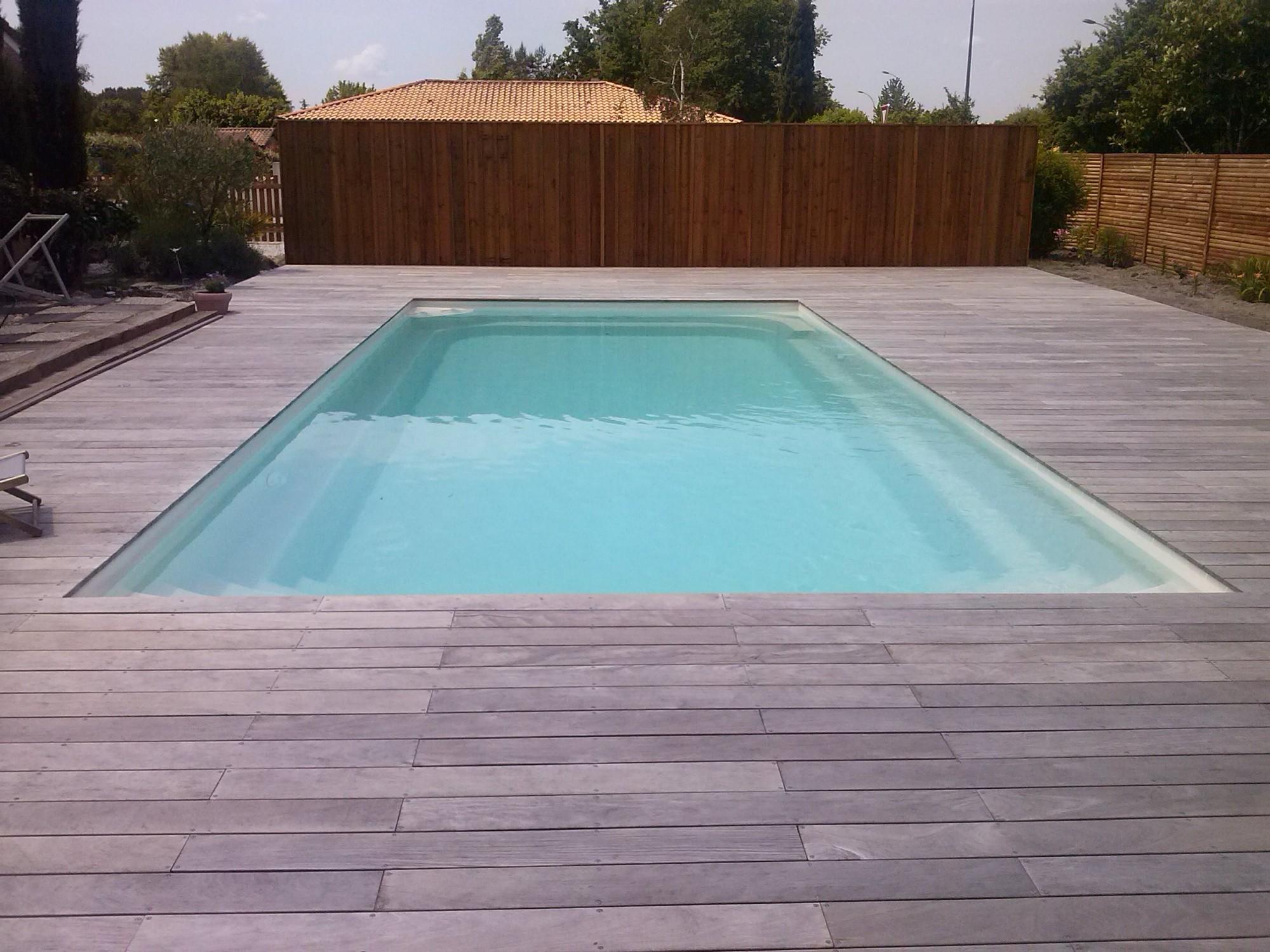 Terrasse bois exotique piscine nos conseils for Piscine sur pilotis