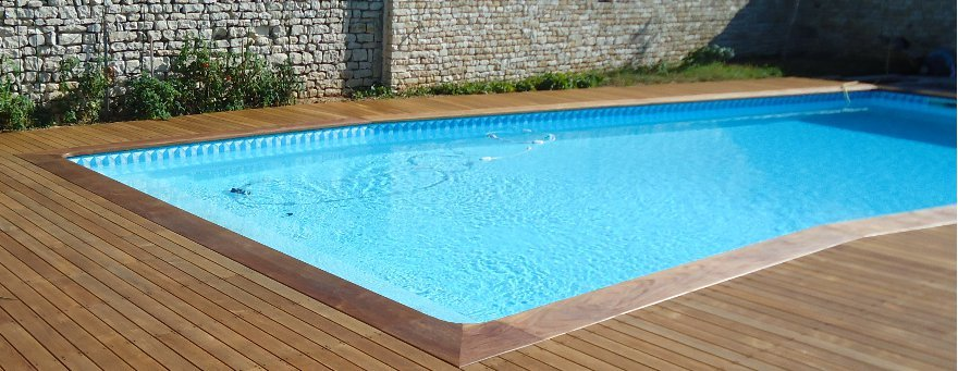 Terrasse bois lyon for Construction piscine lyon