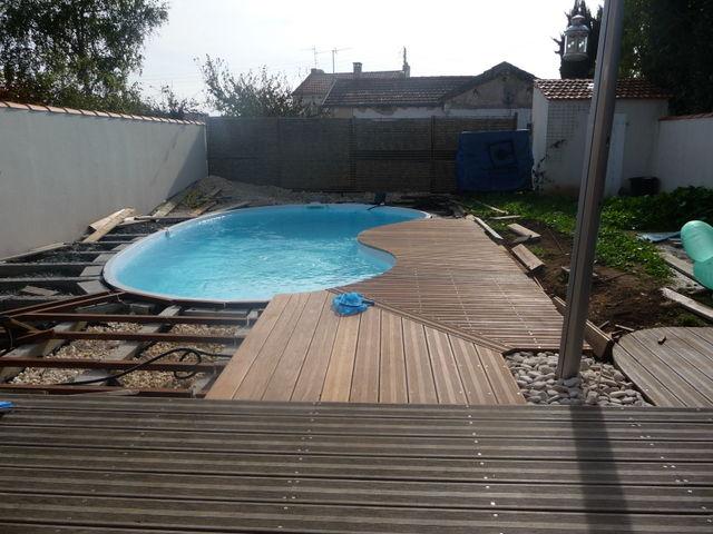 Terrasse bois piscine sans margelle - Nos Conseils