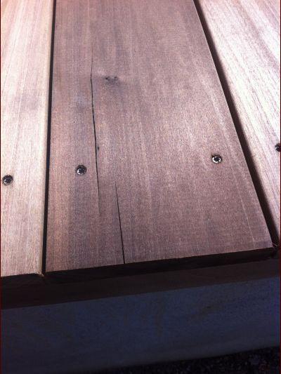 terrasse bois qui se fend
