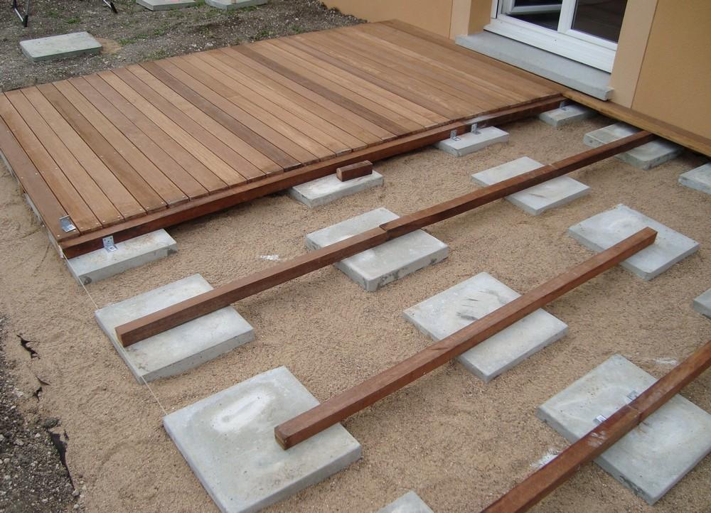 terrasse bois sur dalle b ton sans lambourde id es sur les parcs et leur quipement de soutien. Black Bedroom Furniture Sets. Home Design Ideas