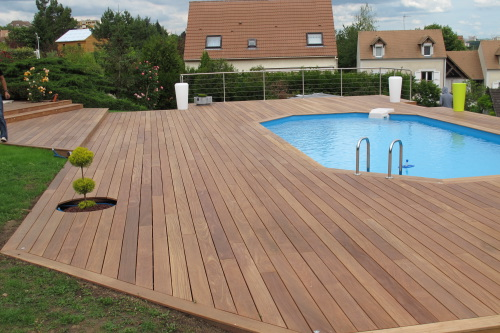 Latest Terrasse Bois Sur Piscine With Faire Sa Piscine Soi Mme