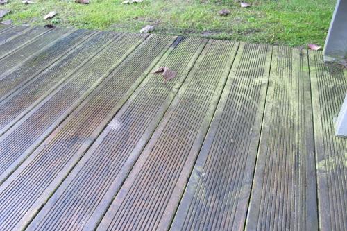 Terrasse bois verte nos conseils for Nettoyage piscine verte