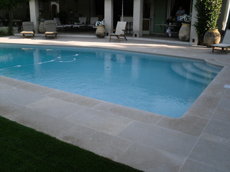 Colle pour carrelage piscine carrelage piscine en emaux for Colle pour liner piscine