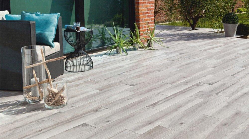 terrasse carrelage gris et bois nos conseils. Black Bedroom Furniture Sets. Home Design Ideas