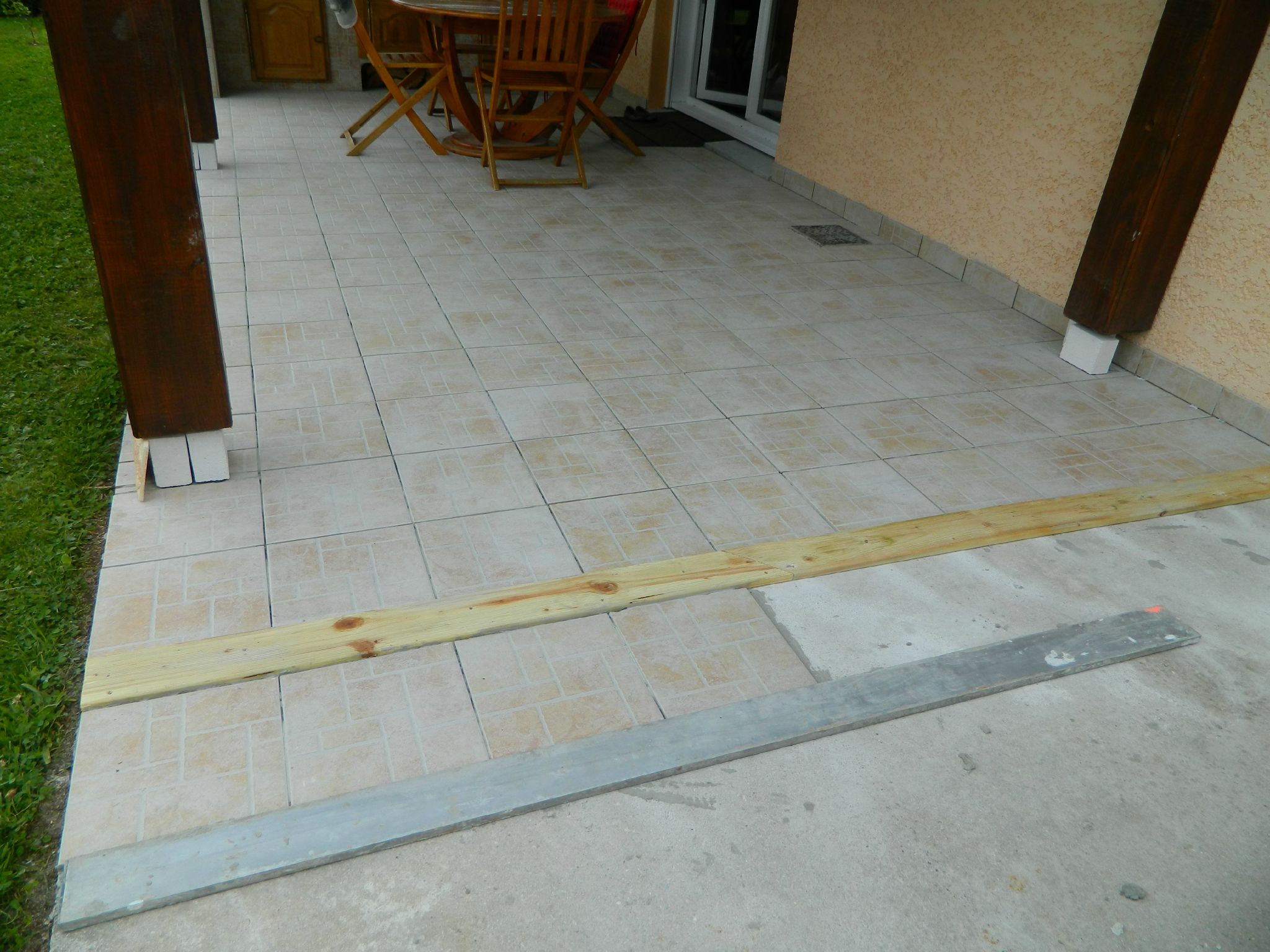 Terrasse carrelage joint nos conseils for Realiser joint carrelage