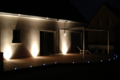 Terrasse composite eclairage nos conseils for Eclairage terrasse composite