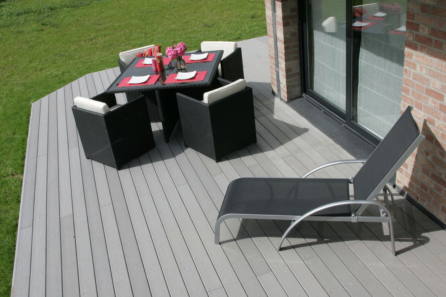terrasse composite gris prix nos conseils. Black Bedroom Furniture Sets. Home Design Ideas