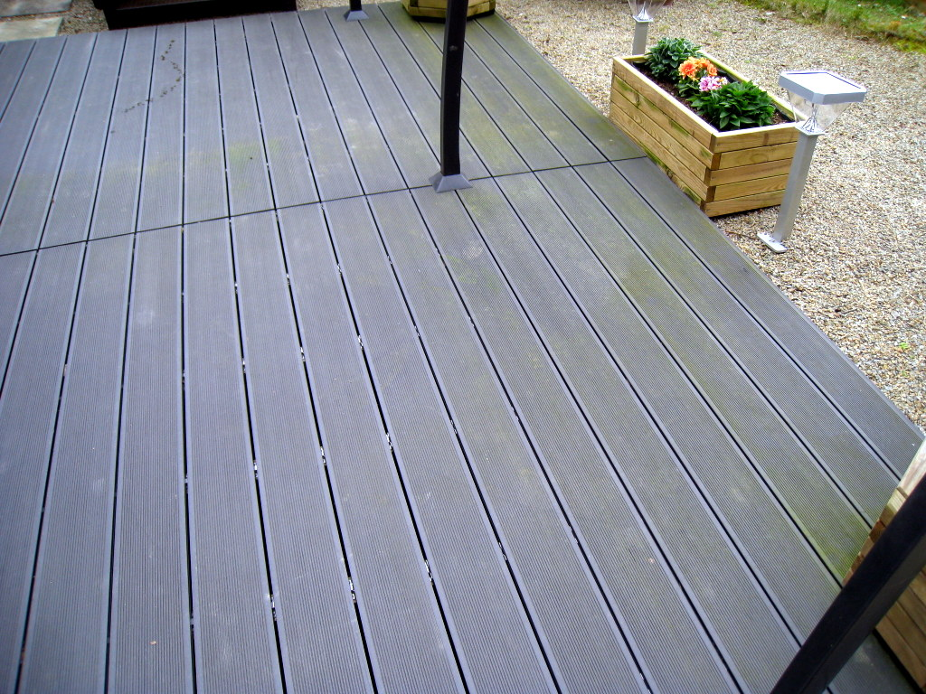 lames de terrasse composite chez brico depot 28 images build your deck by this trex decking  # Bois Terrasse Brico Depot