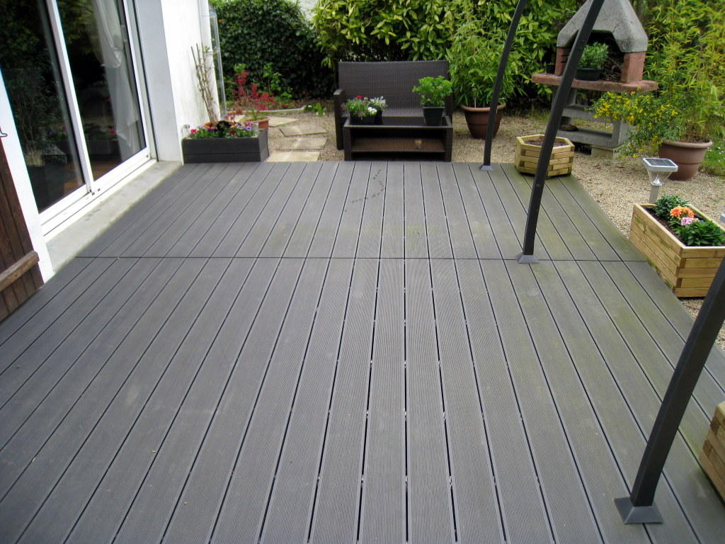 photo terrasse composite. beautiful lame de bois de terrasse en ... - Comment Monter Une Terrasse En Composite