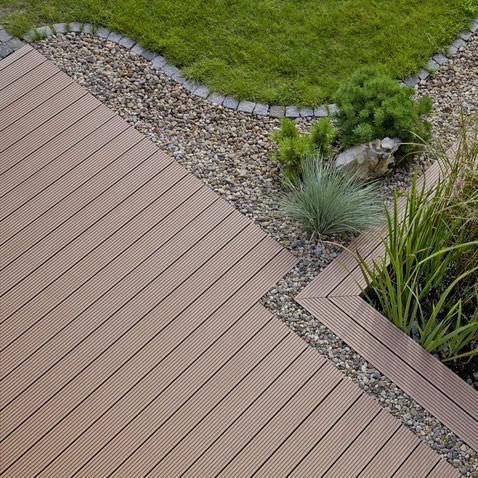 terrasse composite rehau