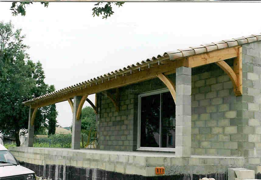 terrasse couverte avec poteaux beton nos conseils. Black Bedroom Furniture Sets. Home Design Ideas