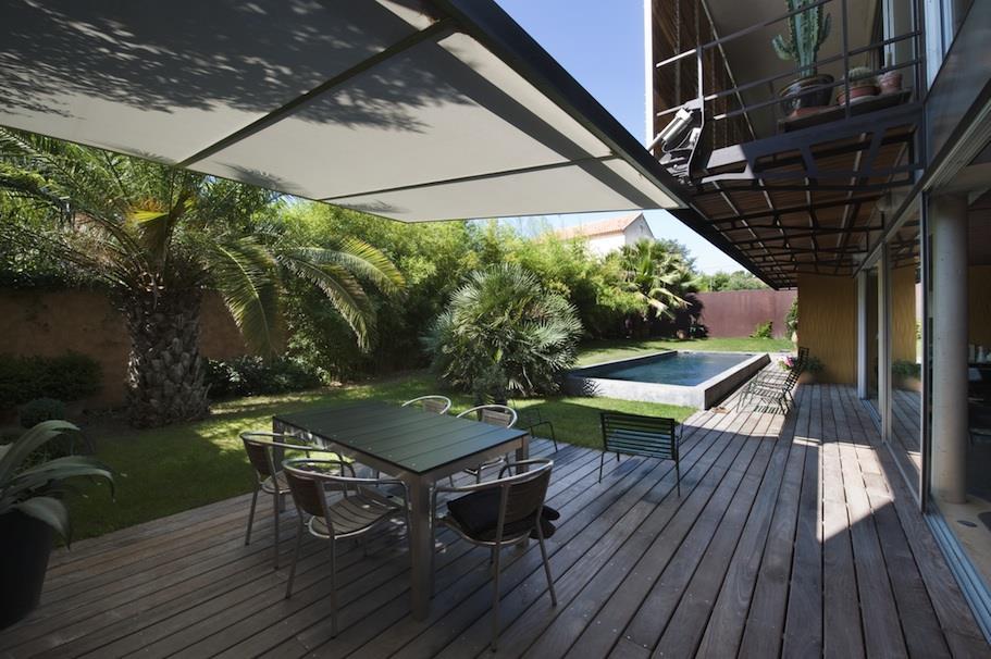 terrasse couverte contemporaine nos conseils. Black Bedroom Furniture Sets. Home Design Ideas
