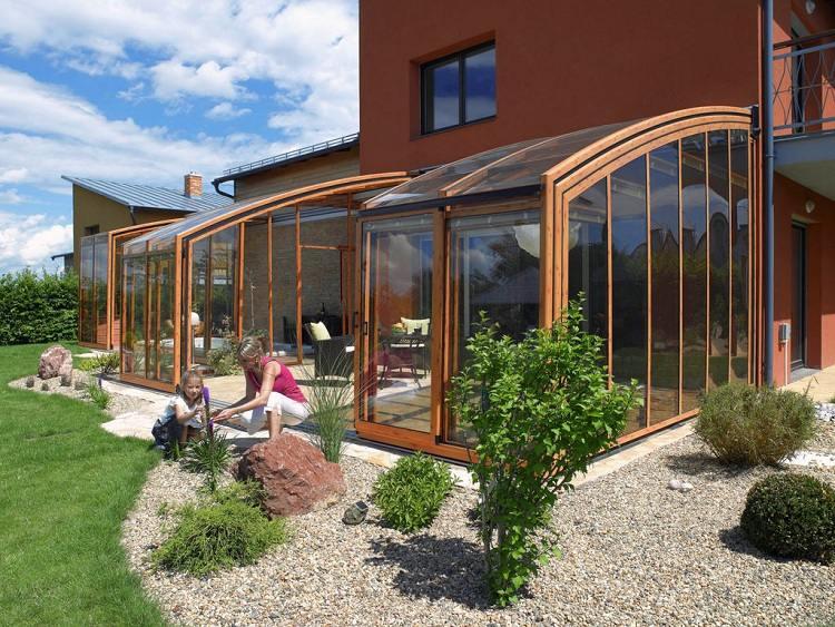 terrasse couverte de jardin nos conseils. Black Bedroom Furniture Sets. Home Design Ideas