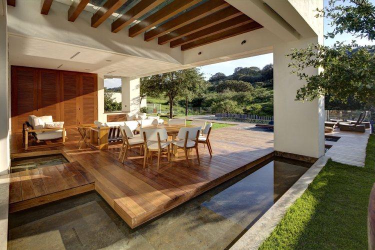 Modele terrasse en bois amazing lame de terrasse en bois composite emotion les lames de for Construire une terrasse couverte