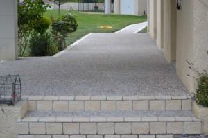 Terrasse dalle gravillonnee nos conseils - Comment faire une terrasse en dalle ...