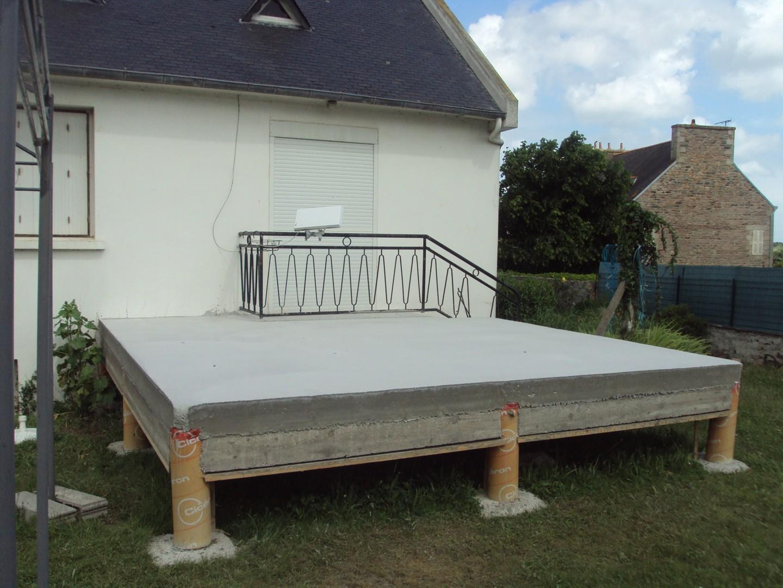 terrasse en beton sur pilotis nos conseils. Black Bedroom Furniture Sets. Home Design Ideas
