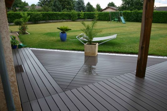 terrasse en bois composite forum nos conseils. Black Bedroom Furniture Sets. Home Design Ideas