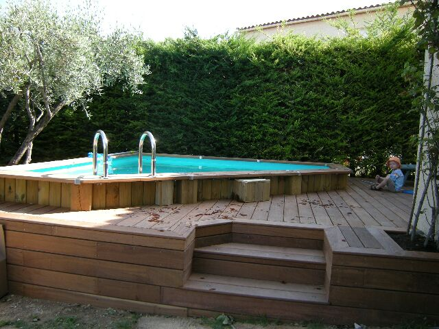 Destockage piscine bois hors sol for Piscine carree hors sol