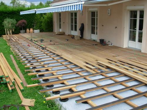 Terrasse en bois sur dalle beton Nos Conseils # Terrasse Bois Sur Dalle Béton