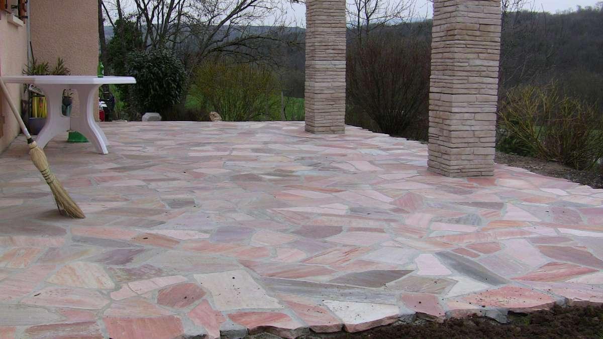 Terrasse en pierre du bresil nos conseils - Terrasse en pierre naturelle pose ...