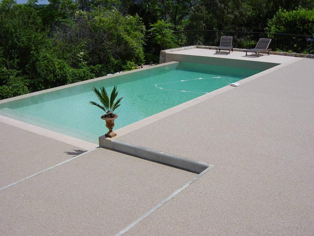 Terrasse en resine pour piscine nos conseils for Terrasse pour piscine