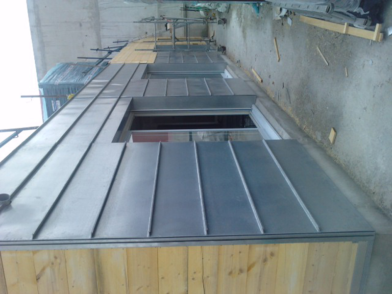 Terrasse en zinc a joint debout nos conseils for Couverture en zinc joint debout