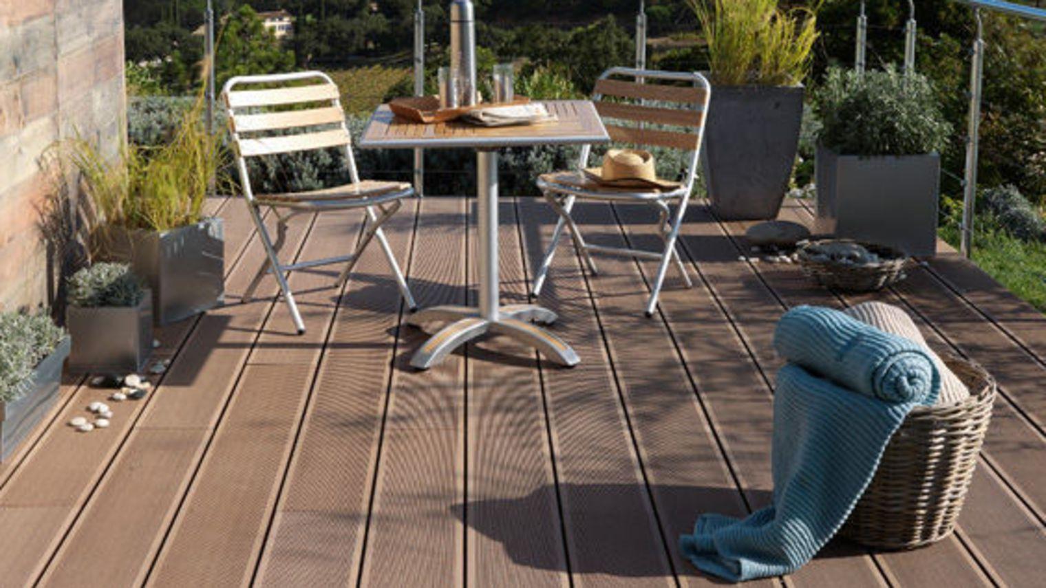 terrasse exterieure bois ou composite nos conseils. Black Bedroom Furniture Sets. Home Design Ideas