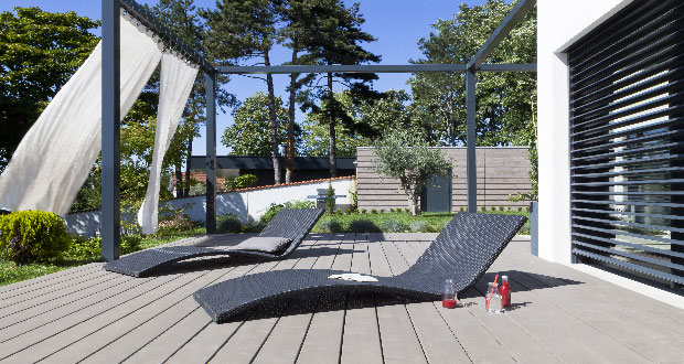 terrasse exterieure peinte nos conseils. Black Bedroom Furniture Sets. Home Design Ideas