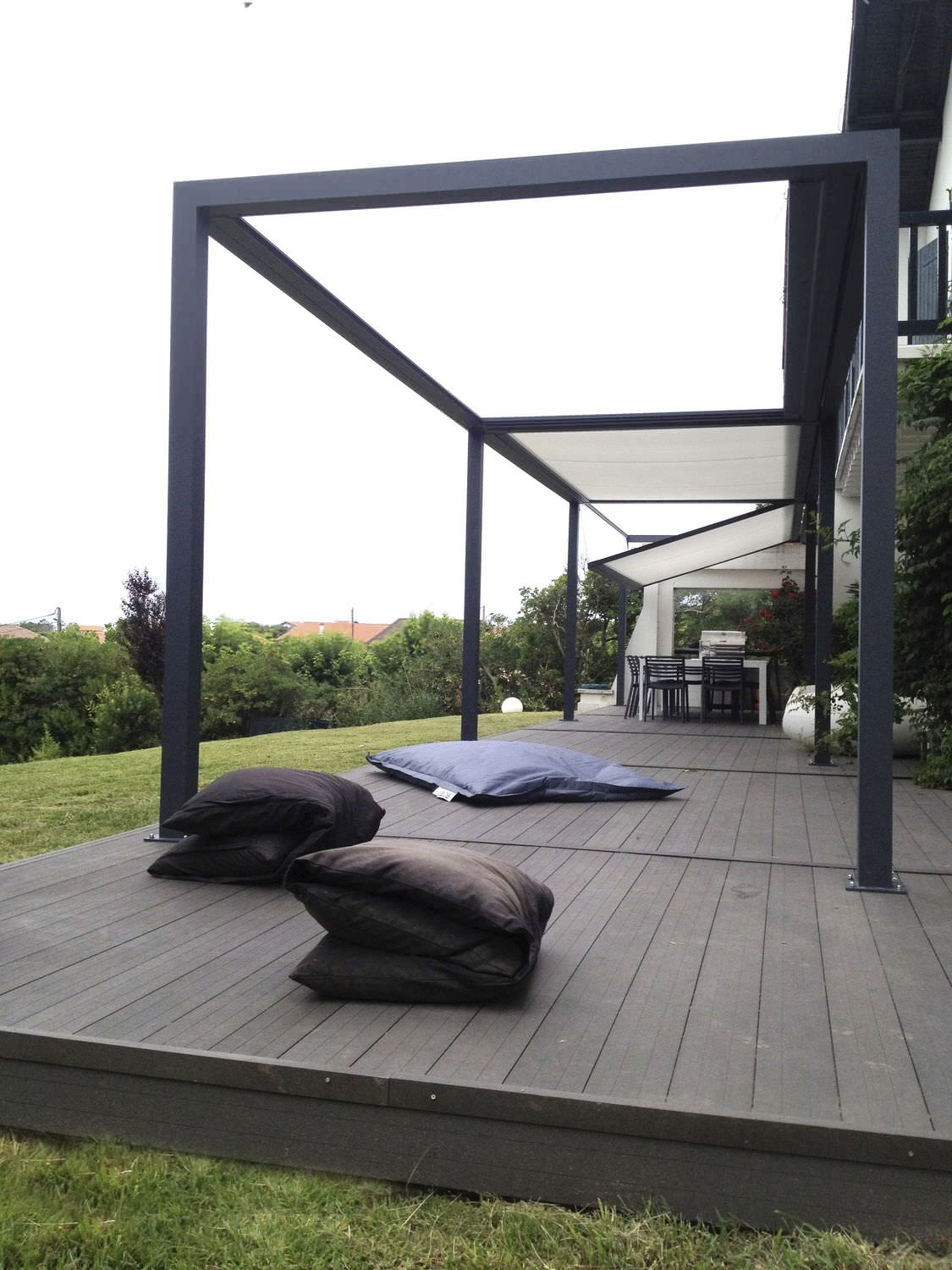 terrasse pergola design nos conseils. Black Bedroom Furniture Sets. Home Design Ideas