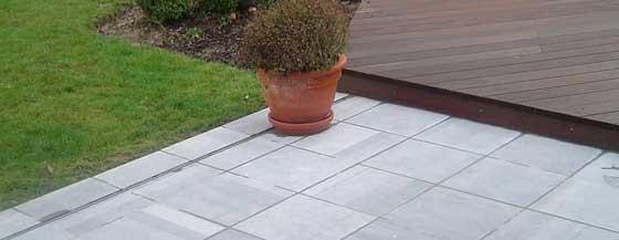 Terrasse pierre bleue belge nos conseils for Carrelage en pierre bleue belge