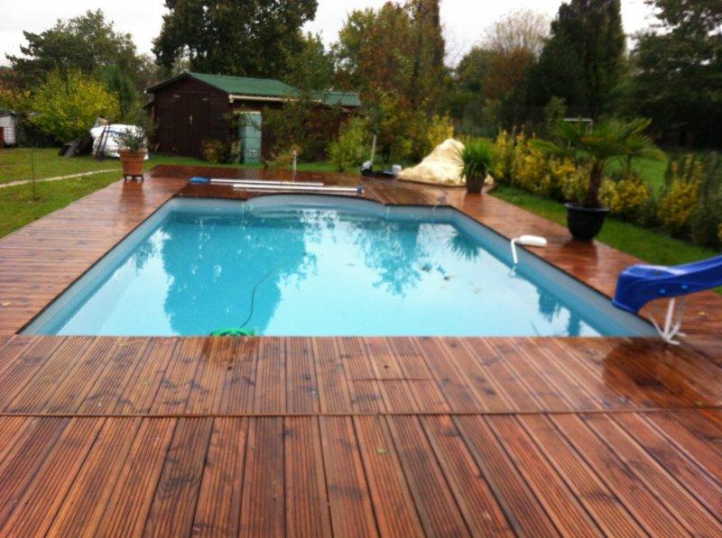 terrasse piscine bois douglas nos conseils. Black Bedroom Furniture Sets. Home Design Ideas