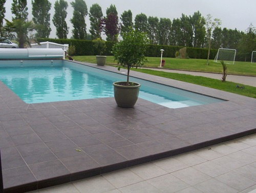 Terrasse piscine dallage nos conseils for Carrelage pour terrasse piscine