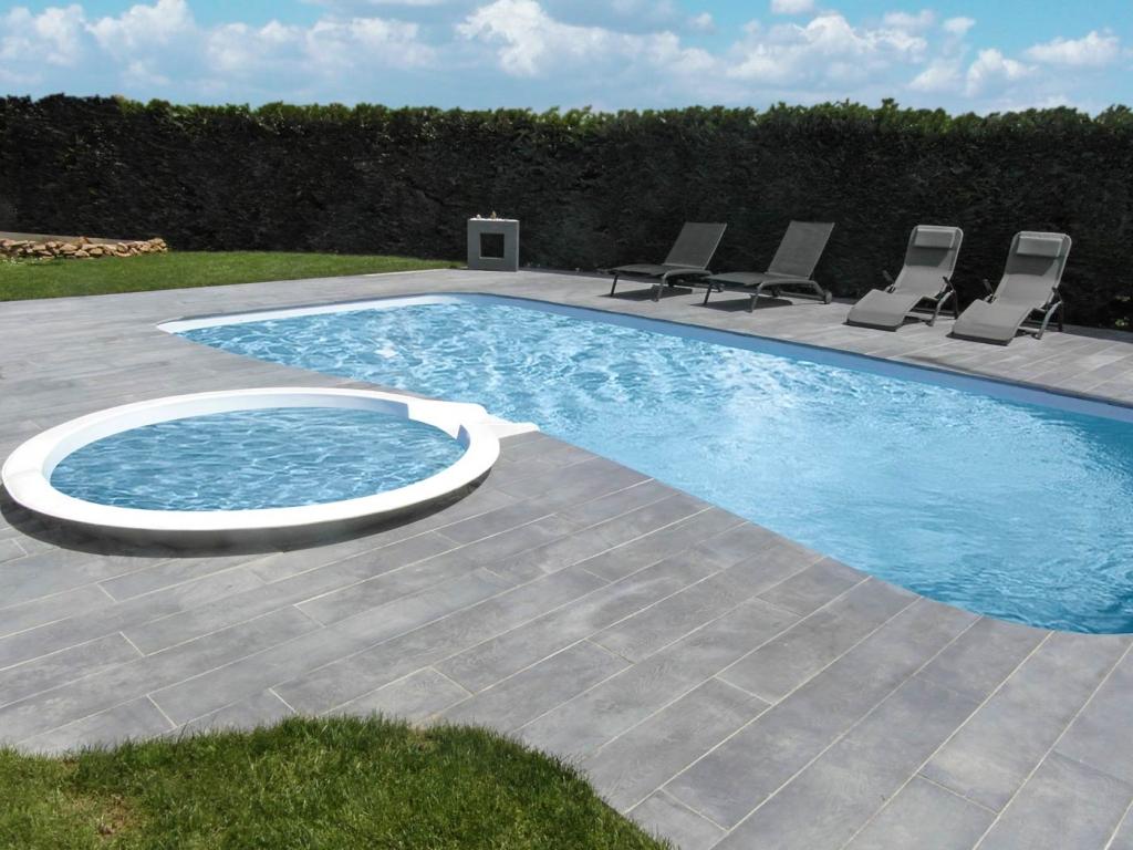 Terrasse piscine grise nos conseils for Terrasse piscine grise