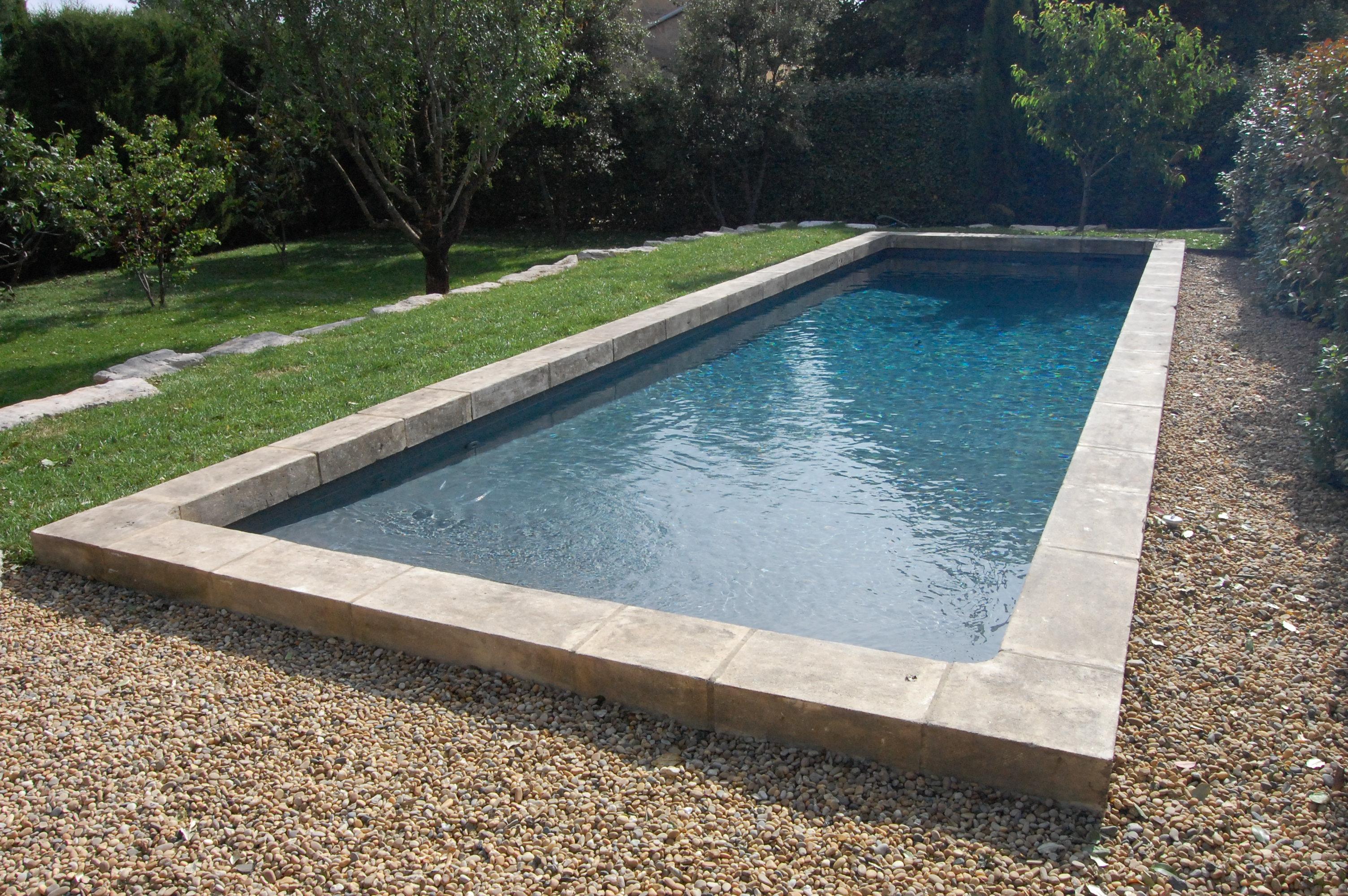 Terrasse piscine sur gravier nos conseils for Blanc gravier piscine